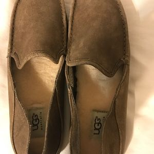 5dbcc72c957 UGG Hunley Australia Men's Loafers Size 9 Brown